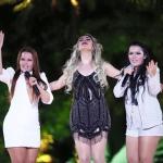 """Naiara Azevedo emplaca a música """"50 Reais"""" com Maiara & Maraísa"""