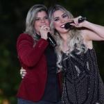 """Naiara Azevedo lança vídeo de """"Ele Não Merece a Gente"""" com Paula Mattos"""
