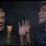 Daniel canta Tema de Natal para os Caminhoneiros ao lado do pai