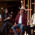 Valéria Barros divulga novos vídeos com participação de Leonardo e Trio Parada Dura