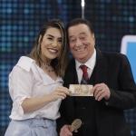 Naiara Azevedo e Alex Fava agitam o Programa Raul Gil deste sábado (29)