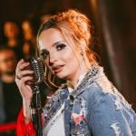 Emy Maziero lança a primeira música em projeto solo